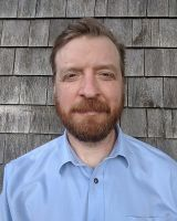 Geoff Williams, Manager of the Leduc BioImaging Facility at Brown University